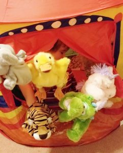 Hand puppet theater with 5 puppets